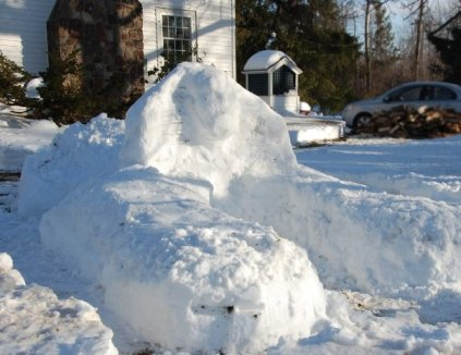 I made this snow sphinx in 2009.