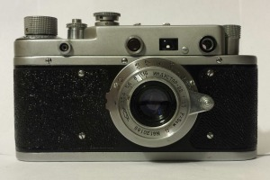 The Zorki C from the front. These came with black, green, or light grey leatherette.