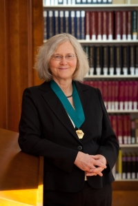 Photograph of Elizabeth Blackburn, Morris Herzstein Professor of Biology and Physiology in the Department of Biochemistry and Biophysics at the University of California, San Francisco (UCSF), received the 2012 American Institute of Chemists (AIC) Gold Medal, April 12, 2012 at Chemical Heritage Day at the Chemical Heritage Foundation, Philadelphia, PA, USA. Credit: Chemical Heritage Foundation CC BY-SA 3.0