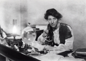 Marie Stopes in her laboratory in 1904