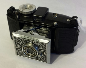 The Karat 6.3, by Agfa, took 35mm film in special cassettes. 1937