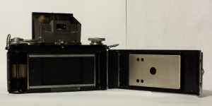 The back of the Exakta Model B opened up.