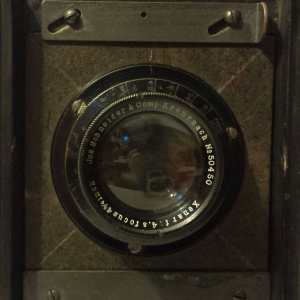 Lens of the early Speed Graphic.